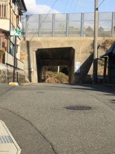 吹浦短いトンネル