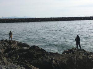 十六羅漢岩場の釣り人