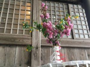 八重桜と山吹の花笠2