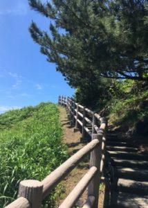 三崎公園見晴らし台石段